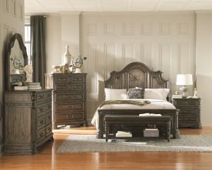 COA204041 Reg $1179 Now $999 Queen bed