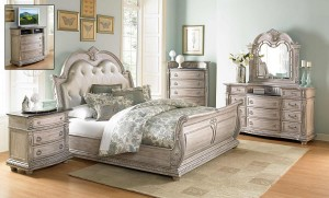 HOM1394 Reg $1199 Now $1099 Queen bed